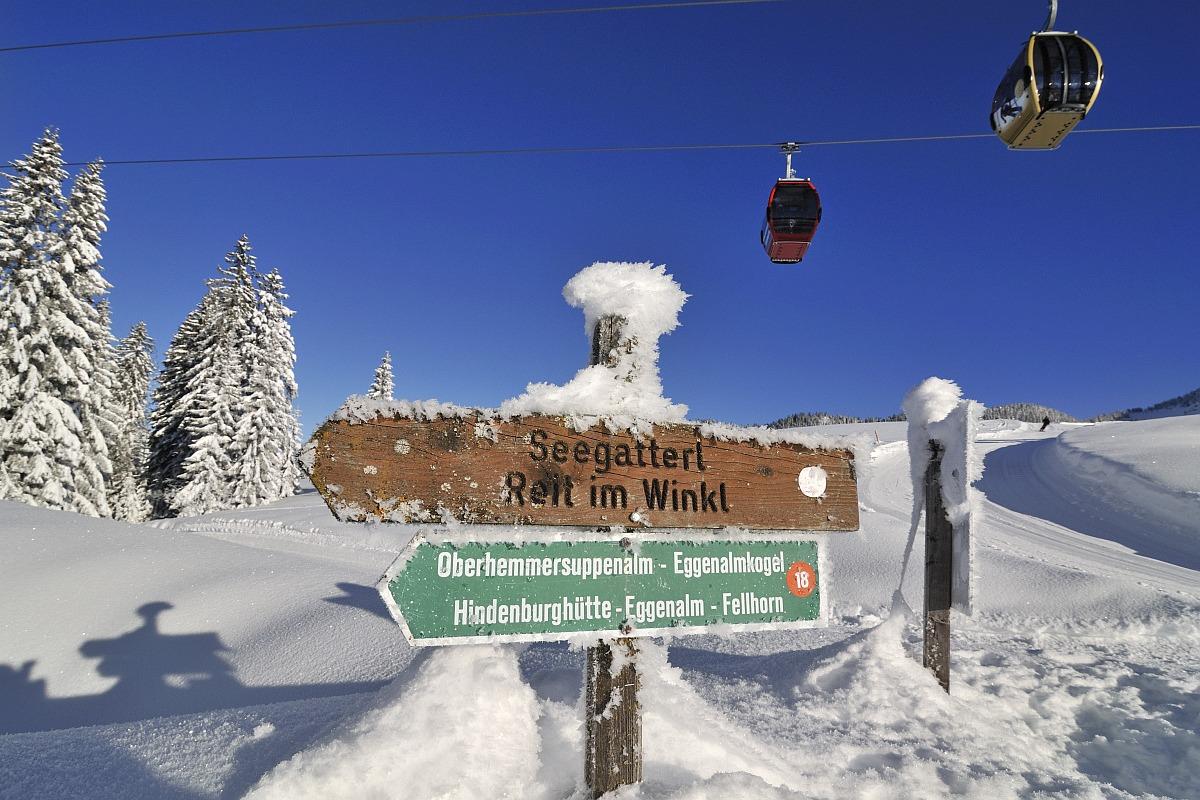 Schild Seegatterl, Gondelbahn, Winklmoos-Alm, Reit im Winkl, Chiemgau, Bayern, Deutschland,  Model Released