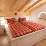Ferienwohnung Reit im Winkl, Chalet im Ahornwinkl, Schlafzimmer Ferienwohnung mit Doppelbett