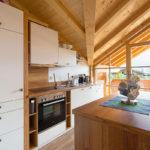 Ferienwohnung Reit im Winkl, Chalet im Ahornwinkl, offene Küche in Ferienwohnung